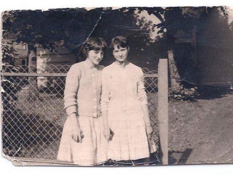 Heidi Gorner/Görner (rechts) und ihre beste Freundin Barbara. Foto: Heidi Orton