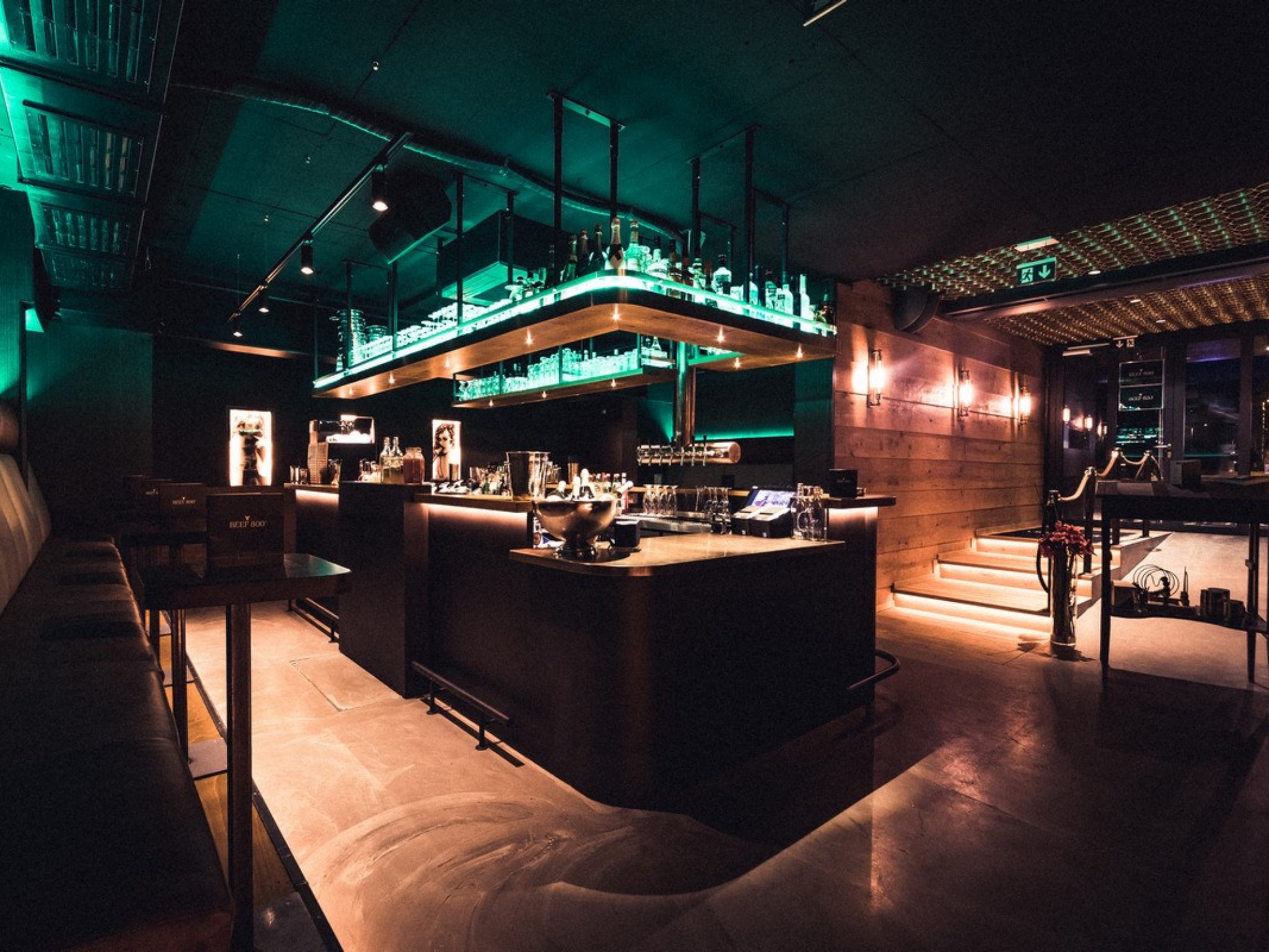 Stilvoll & gemütlich in der Beef 800° Bar! Foto: Beef 800° Grill & Bar