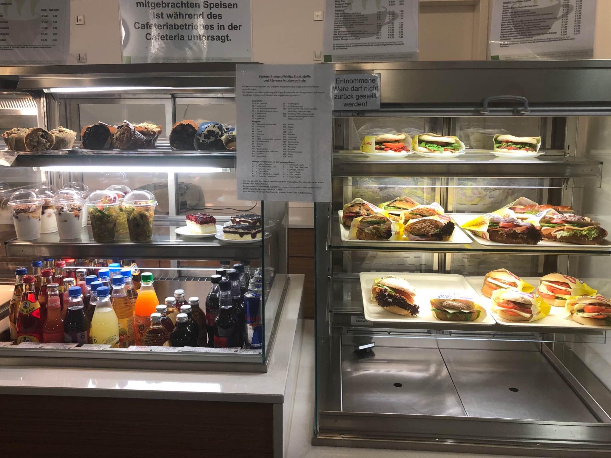 Brötchen in der Cafeteria der Juristischen Fakultät. Foto: Annika Betz
