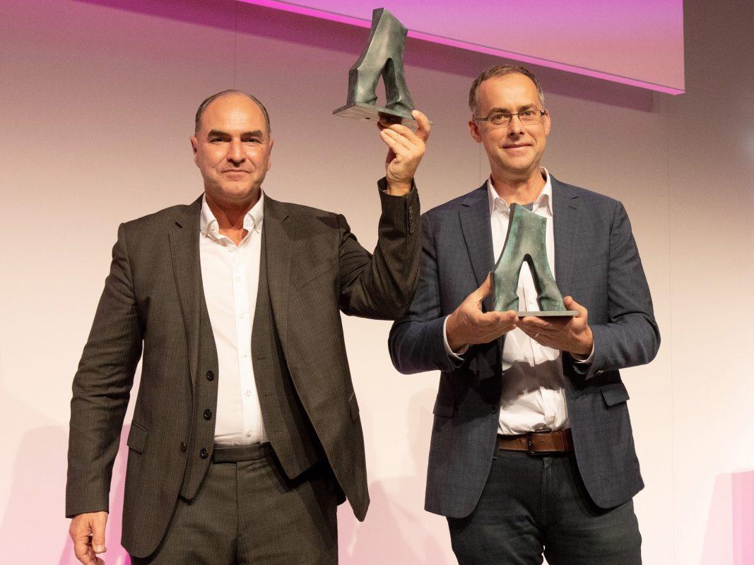 Peter Jakob (links) und Mark Griswold wurden von Siemens als Erfinder des Jahres 2018 geehrt.