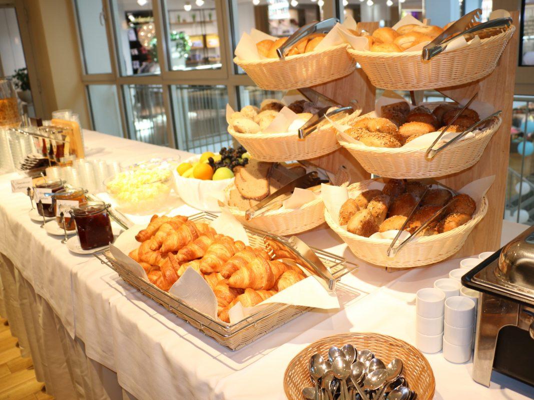 Frühstücksbuffet im MainBistro. Foto: Modehaus Gebrüder Götz