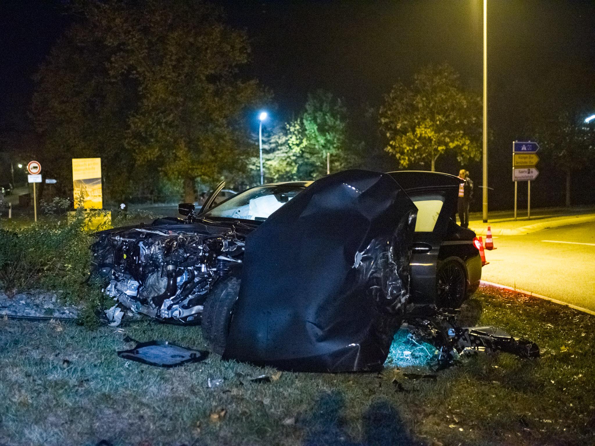 Durch den Zusammenstoß wurde der 40-jährige BMW-Fahrer leicht, der Dacia-Fahrer mittelschwer verletzt. Foto: Pascal Höfig