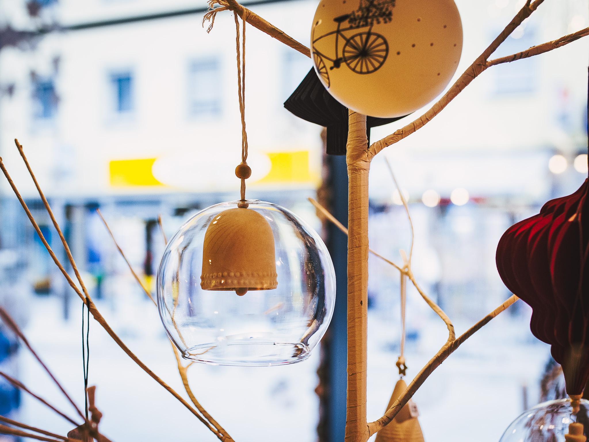 Besondere Glaskugel mit Tonglocke. Foto: Pascal Höfig