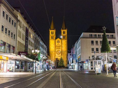Die Domstraße in der Weihnachtszeit. Foto: Pascal Höfig