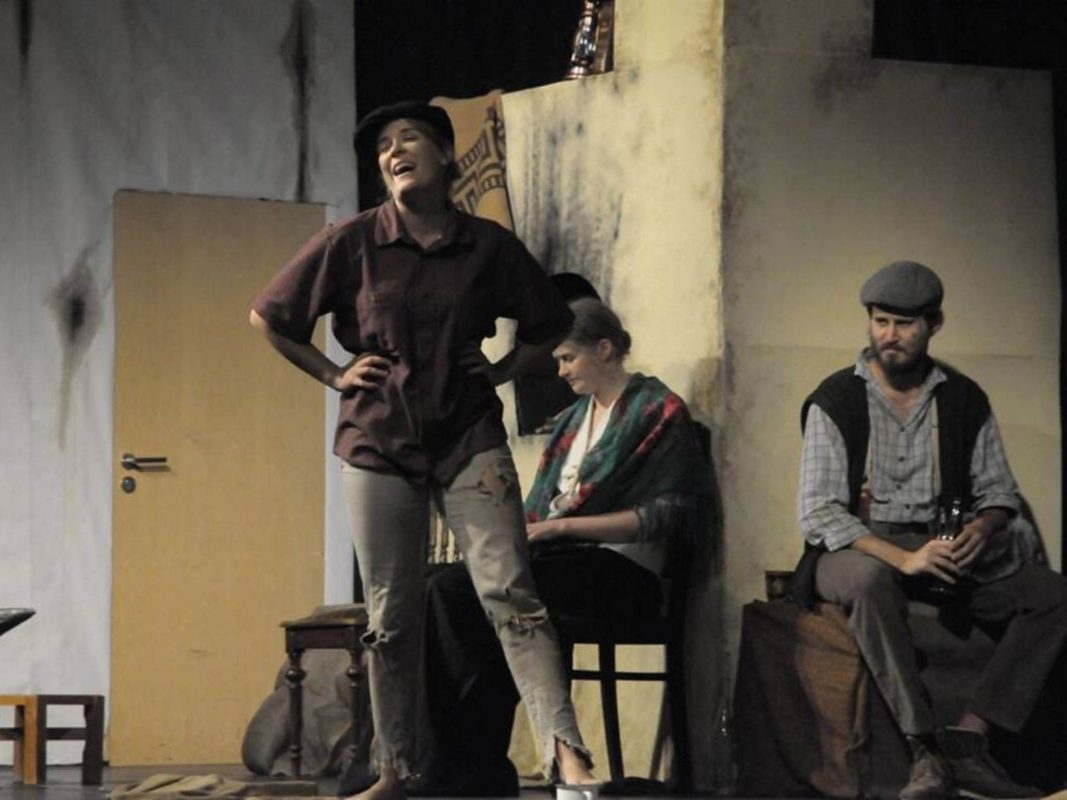 """""""Nachtasyl"""" dargestellt von der Studiobühne. Foto: Johanna Bode."""