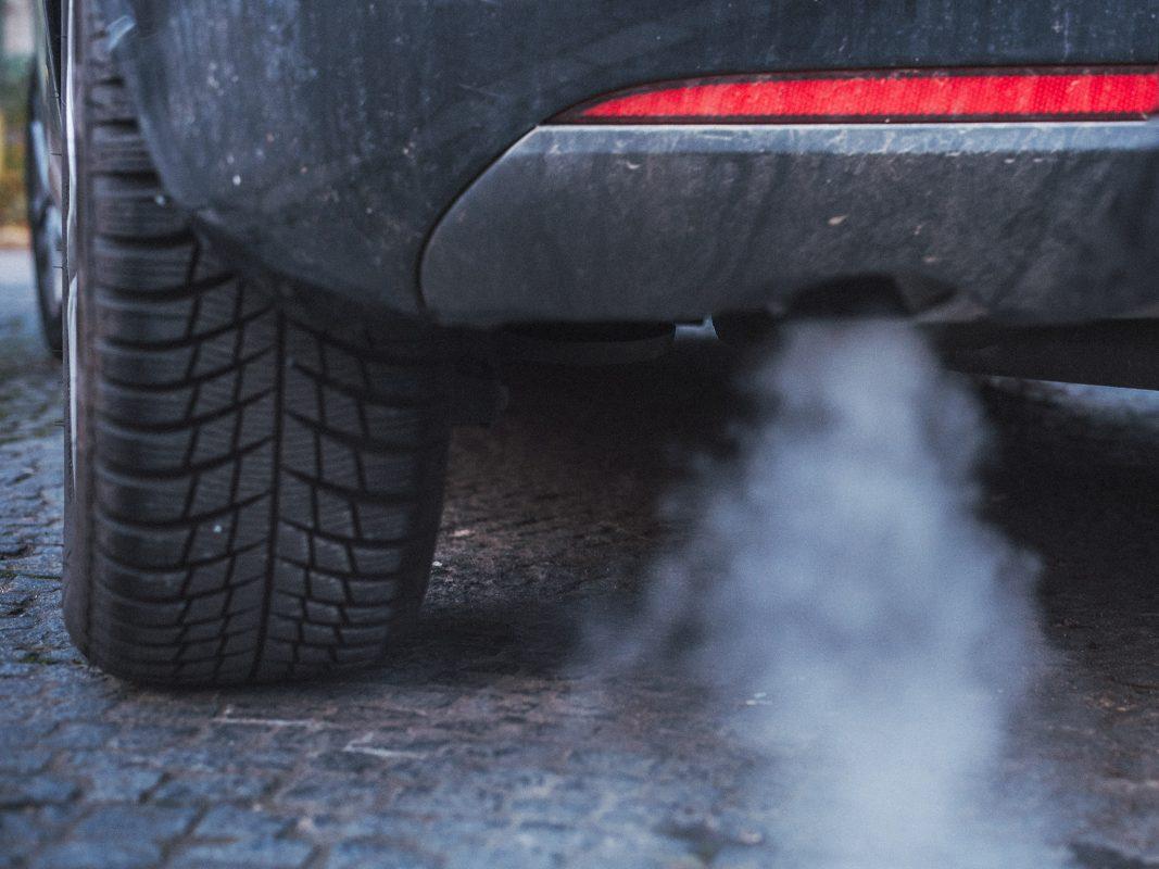 Autoabgase. Symbolfoto: Pascal Höfig