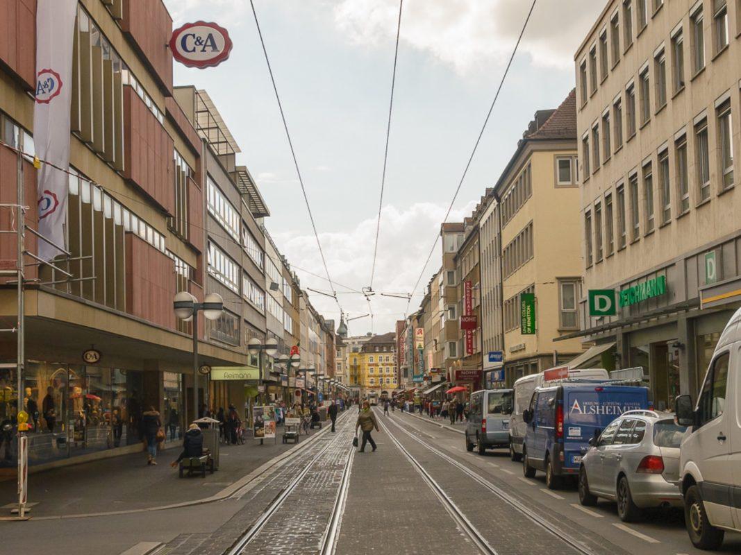 Die Kaiserstraße in der Würzburger Innenstadt. Foto: Pascal Höfig