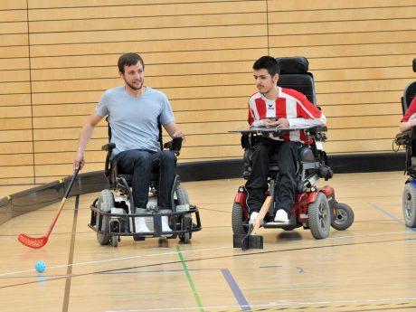 Hockey im Rollstuhl. Foto: Julian Wendel.