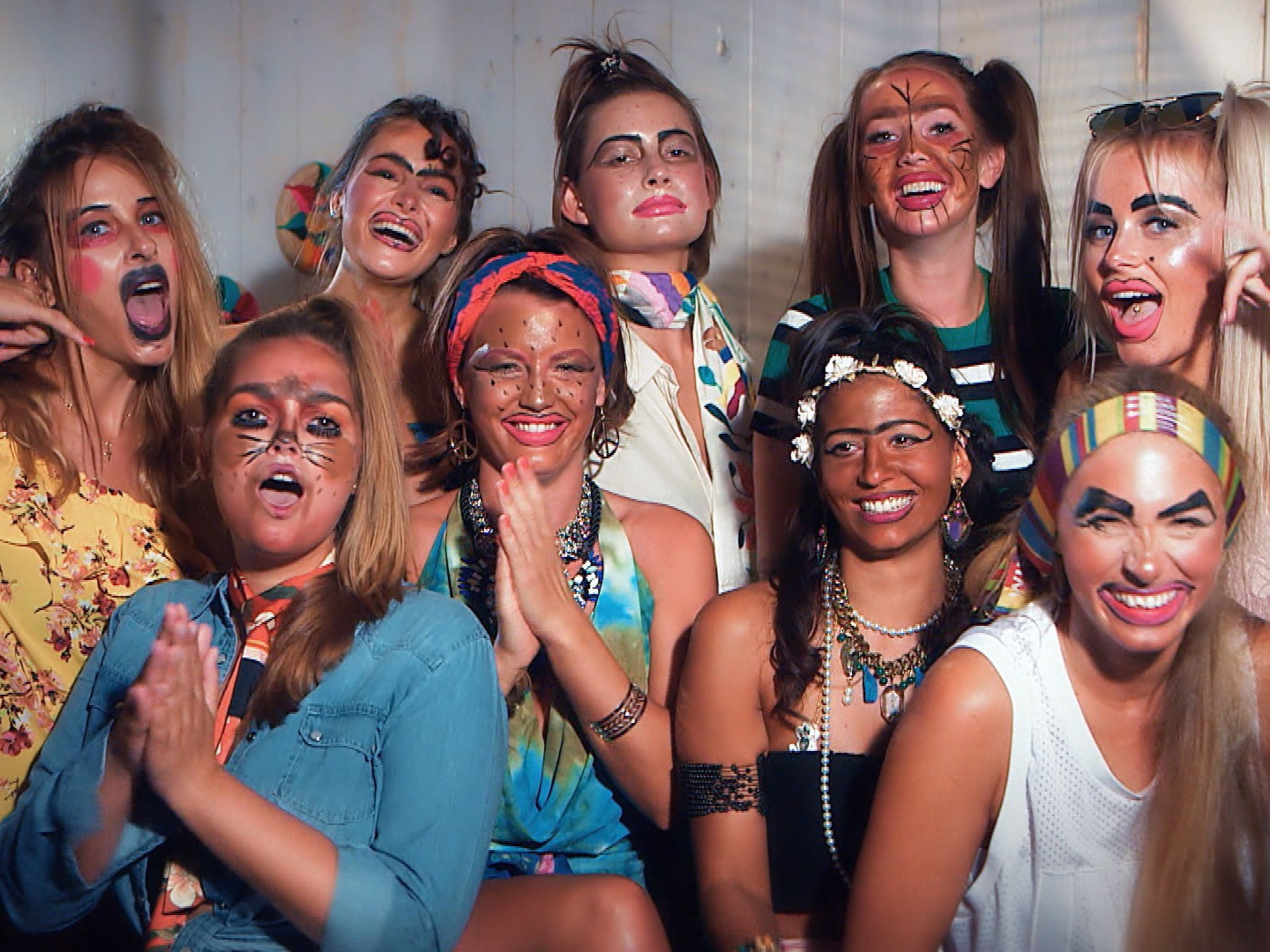 """Langweile in der Ladies Villa. Die Girls schmeiflen eine Kostüm-Party. Alle Episoden von """"Der Bachelor"""" bei TVNOW: www.tvnow.de. Foto: MG RTL D"""