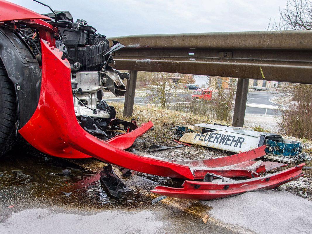 Der Feuerwehrmann geriet mit seinem dienstlichen BMW in den Gegenverkehr. Foto: Pascal Höfig