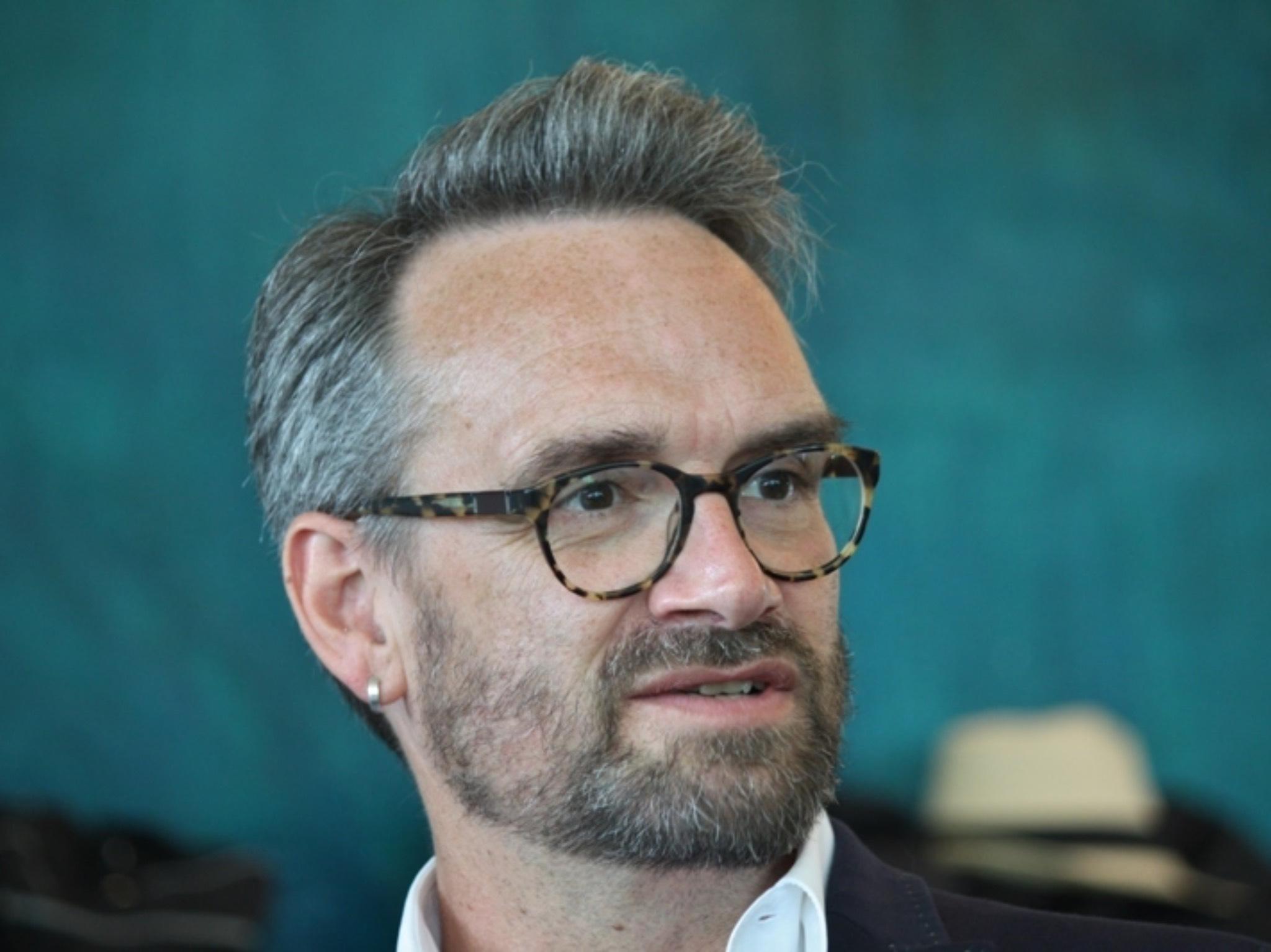 Wolfgang Weber ist Chefmaskenbildner am Mainfranken Theater. Foto: privat