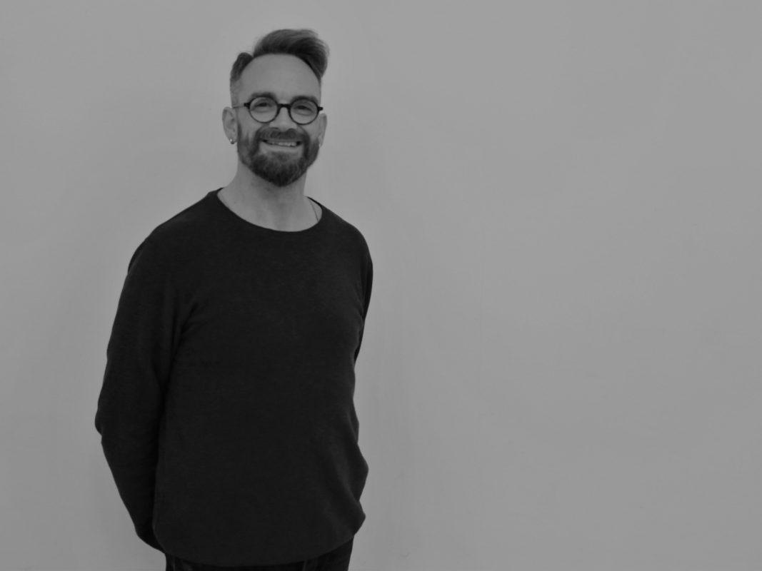 """Wolfgang Weber ist Chefmaskenbildner am Mainfranken Theater Würzburg und nominiert in der Kategorie """"Deutschsprachige Maskenbildner"""". Foto: Mainfranken Theater"""