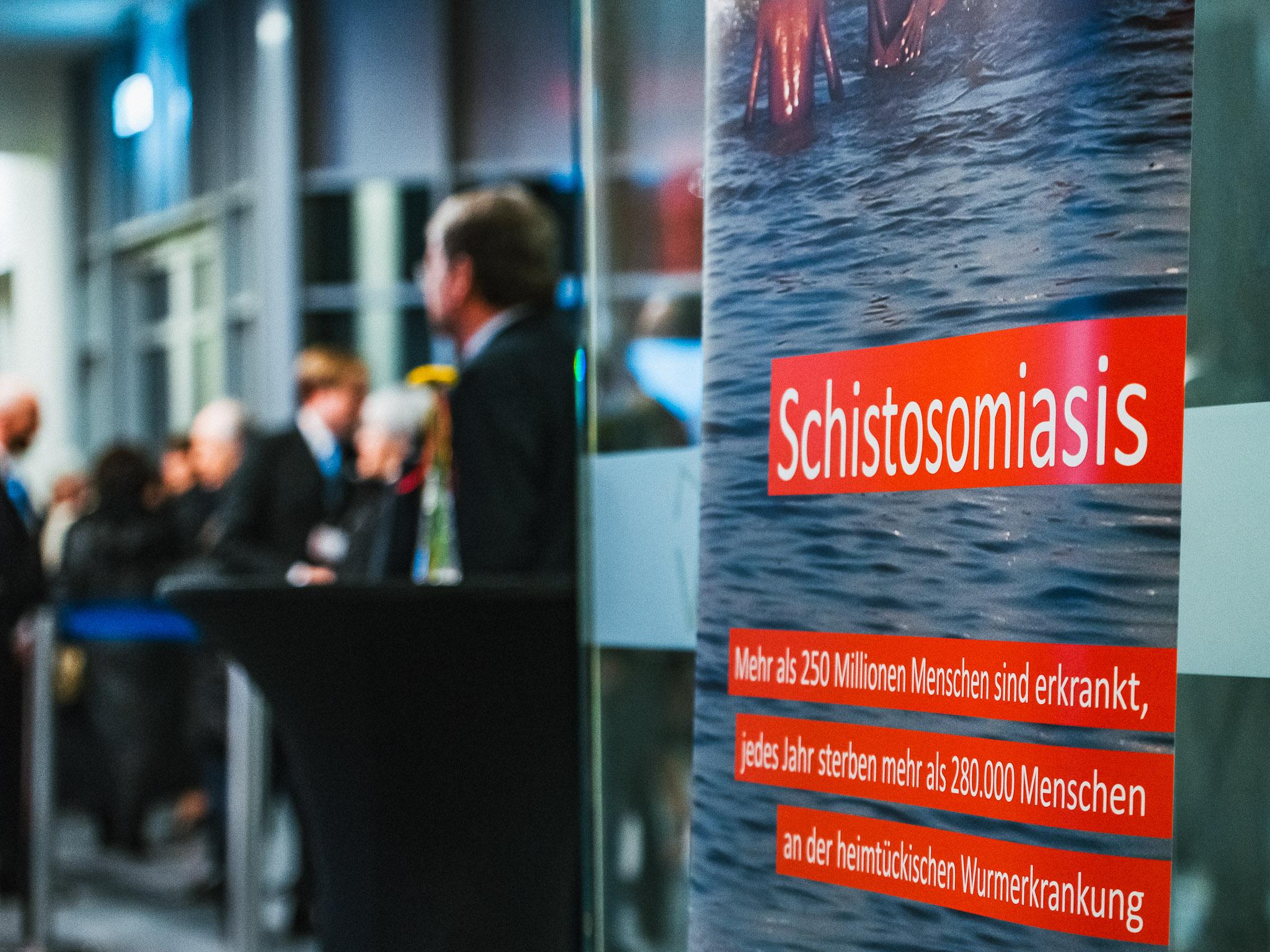 Über 900 geladene Gäste halfen mit Spenden im Kampf gegen Schistosomiasis. Foto: Pascal Höfig