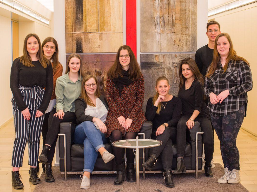 Azubis und ihre Ausbilder bei Bendel & Partner. Foto: Pascal Höfig