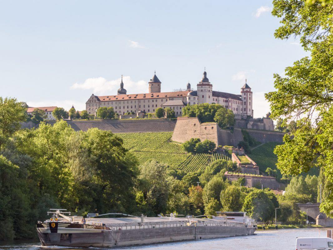 Festung Marienberg mit eingerüsteter Marienkirche. Foto: Pascal Höfig