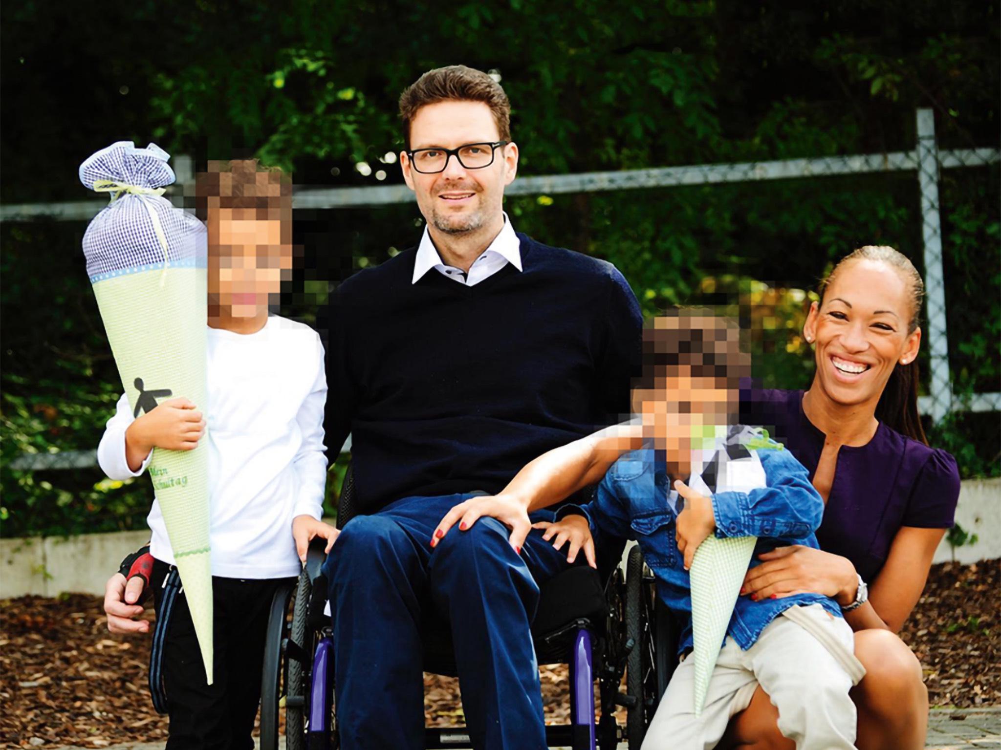 Astrid mit ihrem Mann und ihren beiden Söhnen. Foto: Astrid/privat
