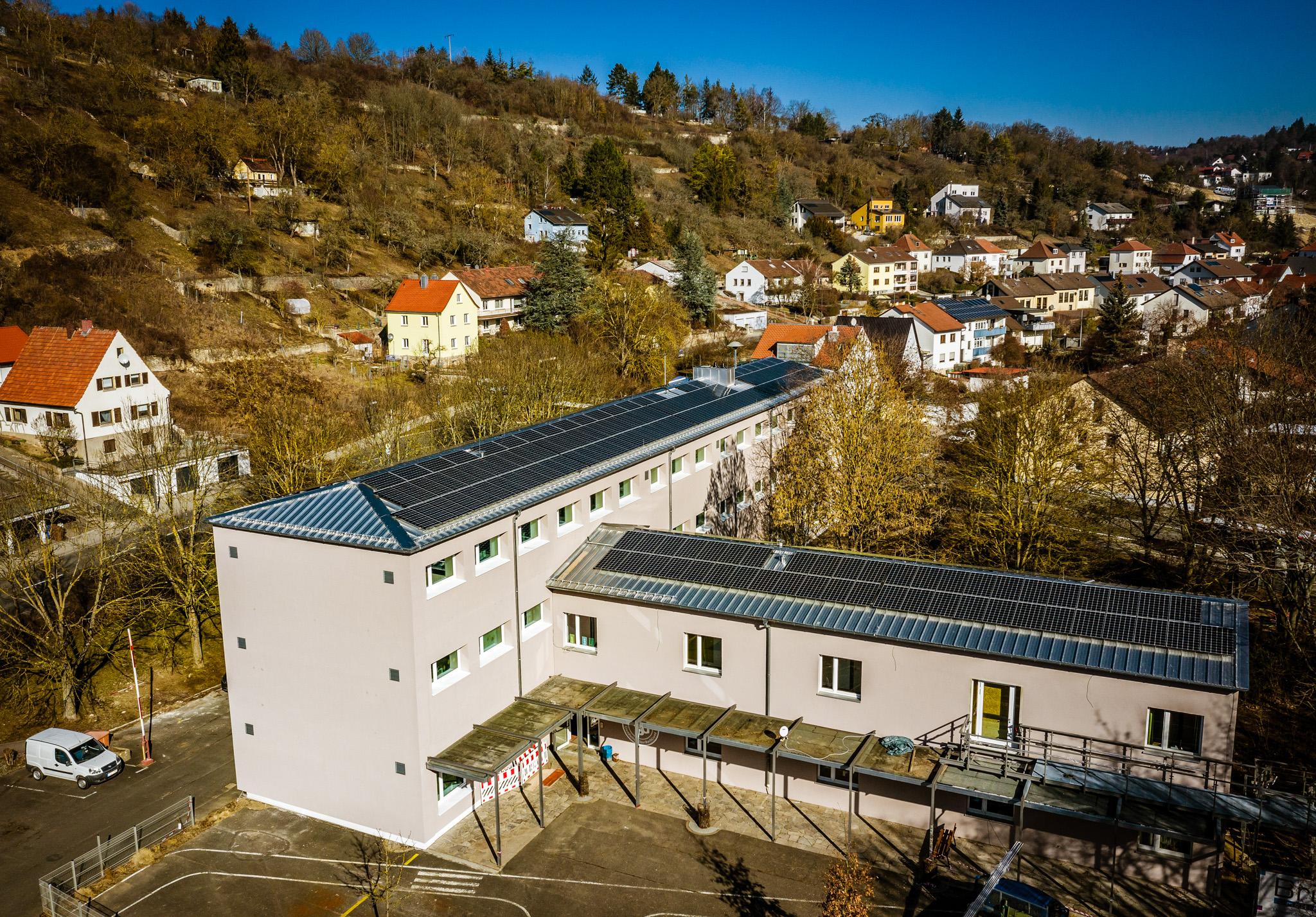Neue PV-Anlage in Würzburg-Dürrbachgrund. Foto: TOM BAUER – AD PHOTOGRAPHY
