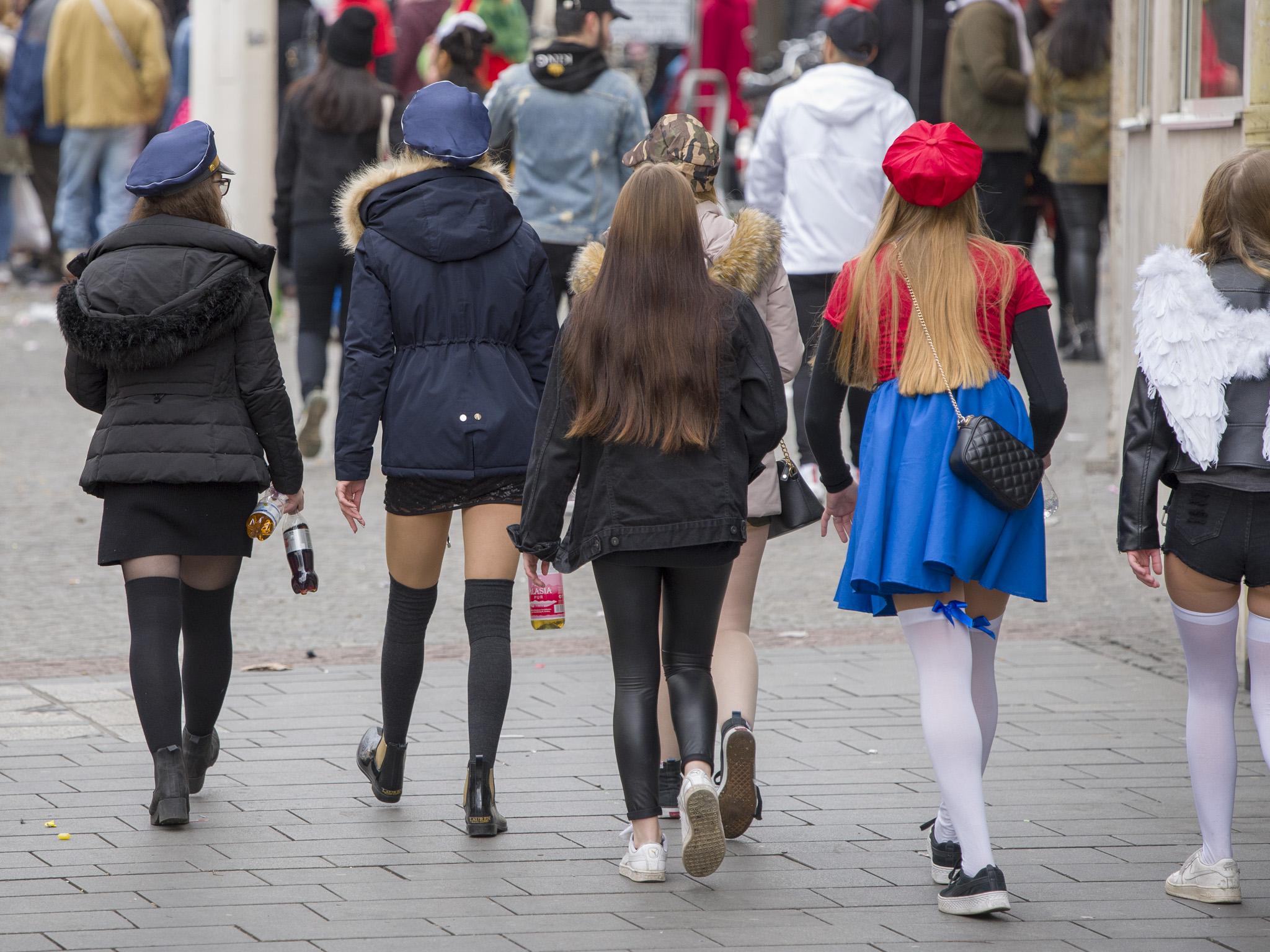 Mehrere Jugendliche im Alter von 14 bis 17 Jahren mussten alkoholisiert in Gewahrsam genommen werden. Symbolfoto: Pascal Höfig
