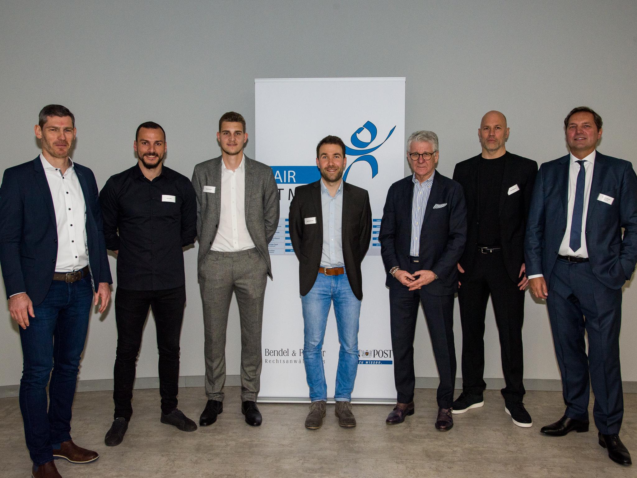 Die Laudatoren Henning Fritz, Adam Jabiri, Hendrik Hansen und Denis Wucherer übergaben die jeweiligen Preise. Foto: Pascal Höfig