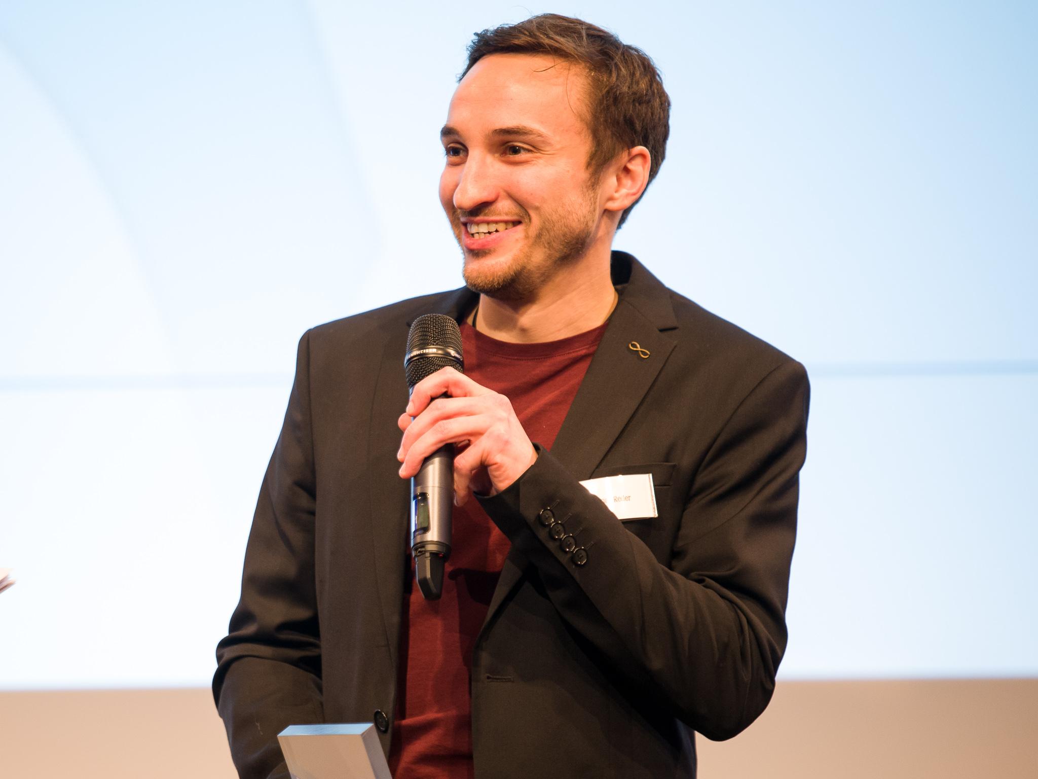 Der 3. Hauptpreis mit 500 Euro ging an Thomas Reder – Rhöner Fußballer. Foto: Pascal Höfig