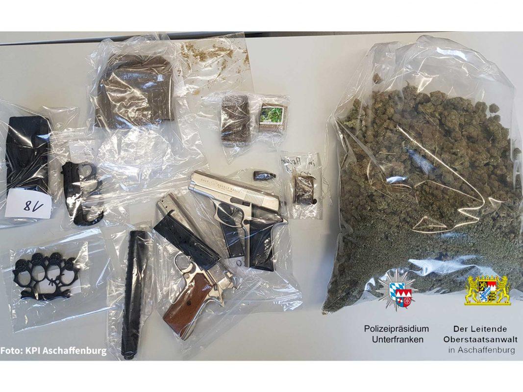 Die sichergestellten Gegenstände. Foto: Polizei