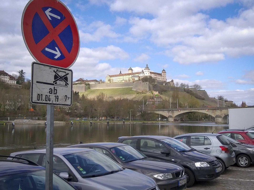 Parkverbot am Stadtstrand. Foto: Max Pfister