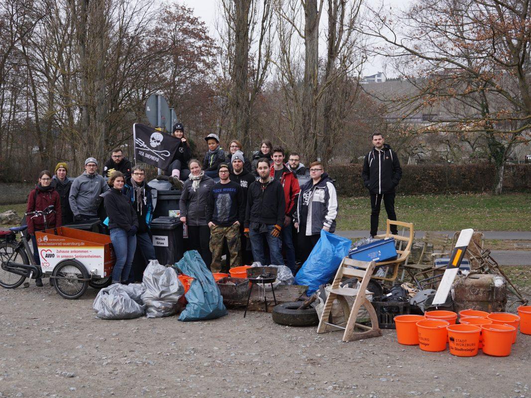Erfolgreiche Müllsammelaktion am Graf-Luckner-Weiher. Foto: Joachim Lindner