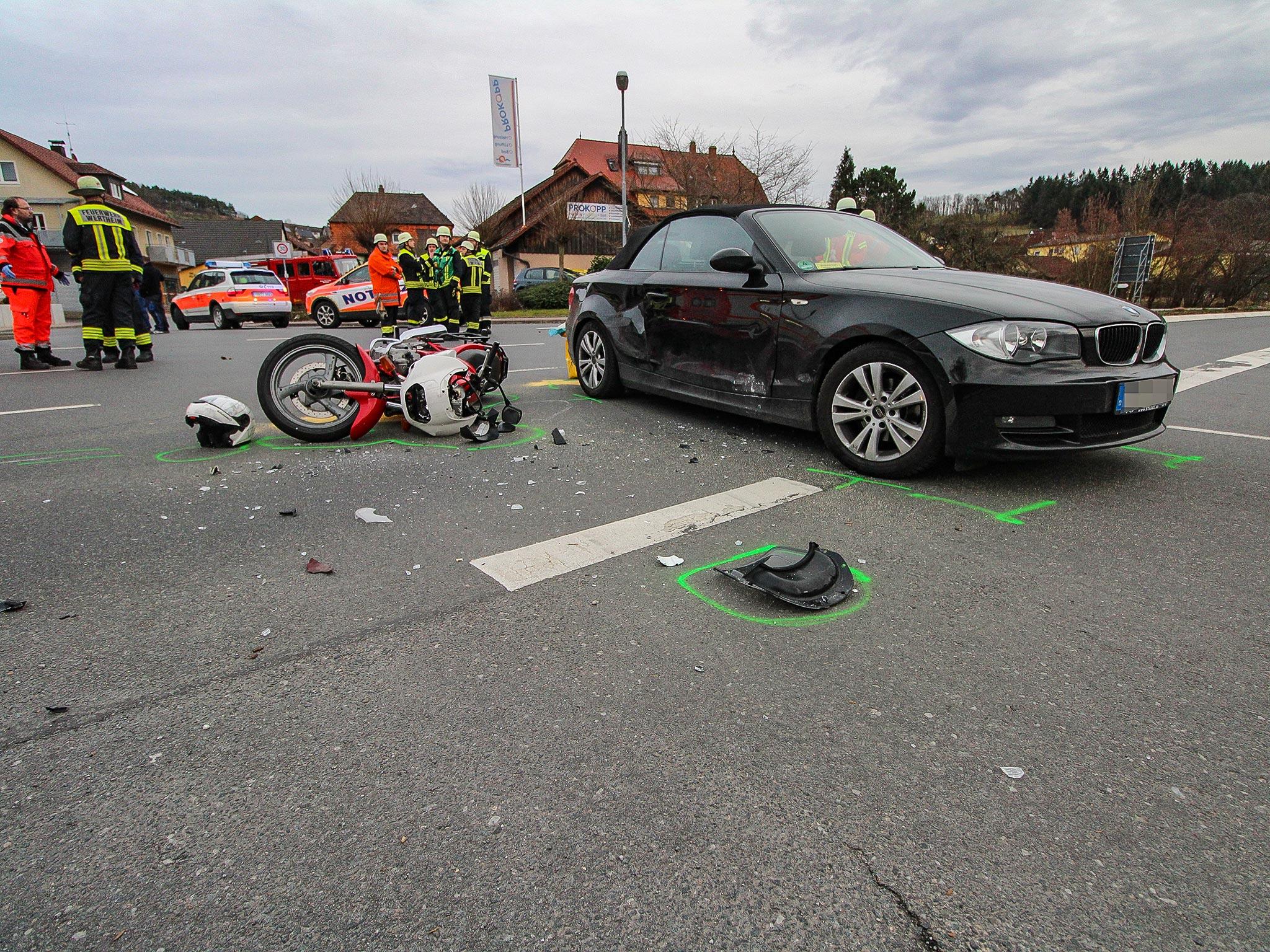 Aus bislang unbekannten Gründen übersah sie hierbei einen vorfahrtsberechtigten Motorradfahrer auf der Gegenfahrbahn. Foto: H. Usky