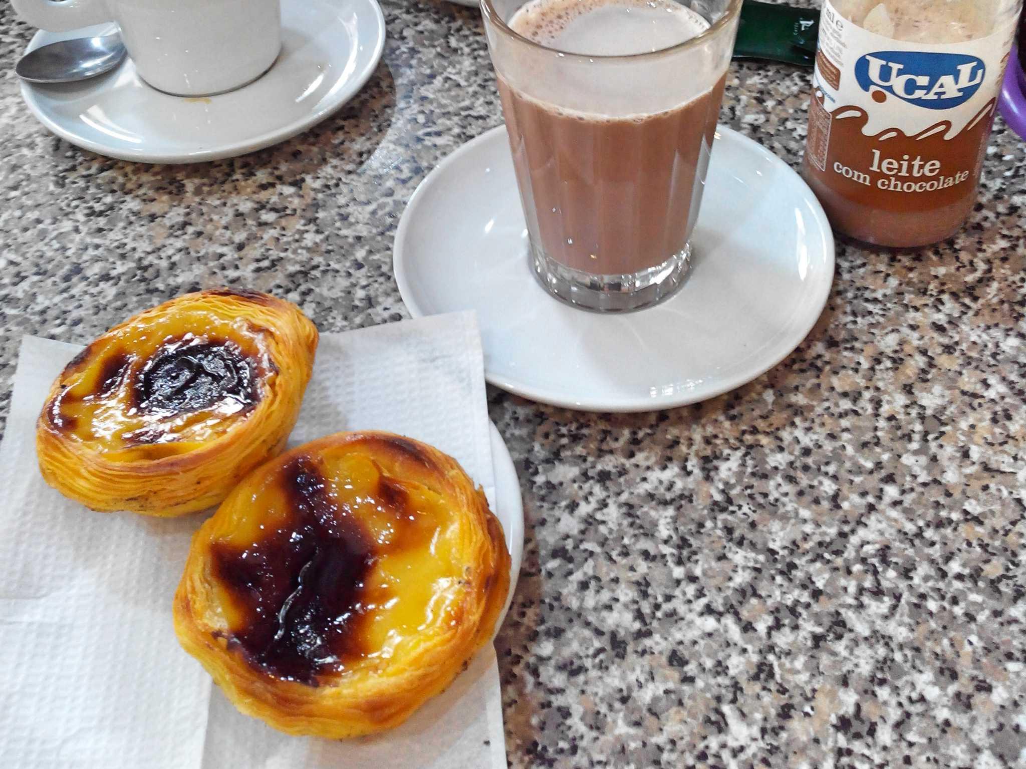 Pastel de Nata in Belém genießen. Foto: Nina Härtle