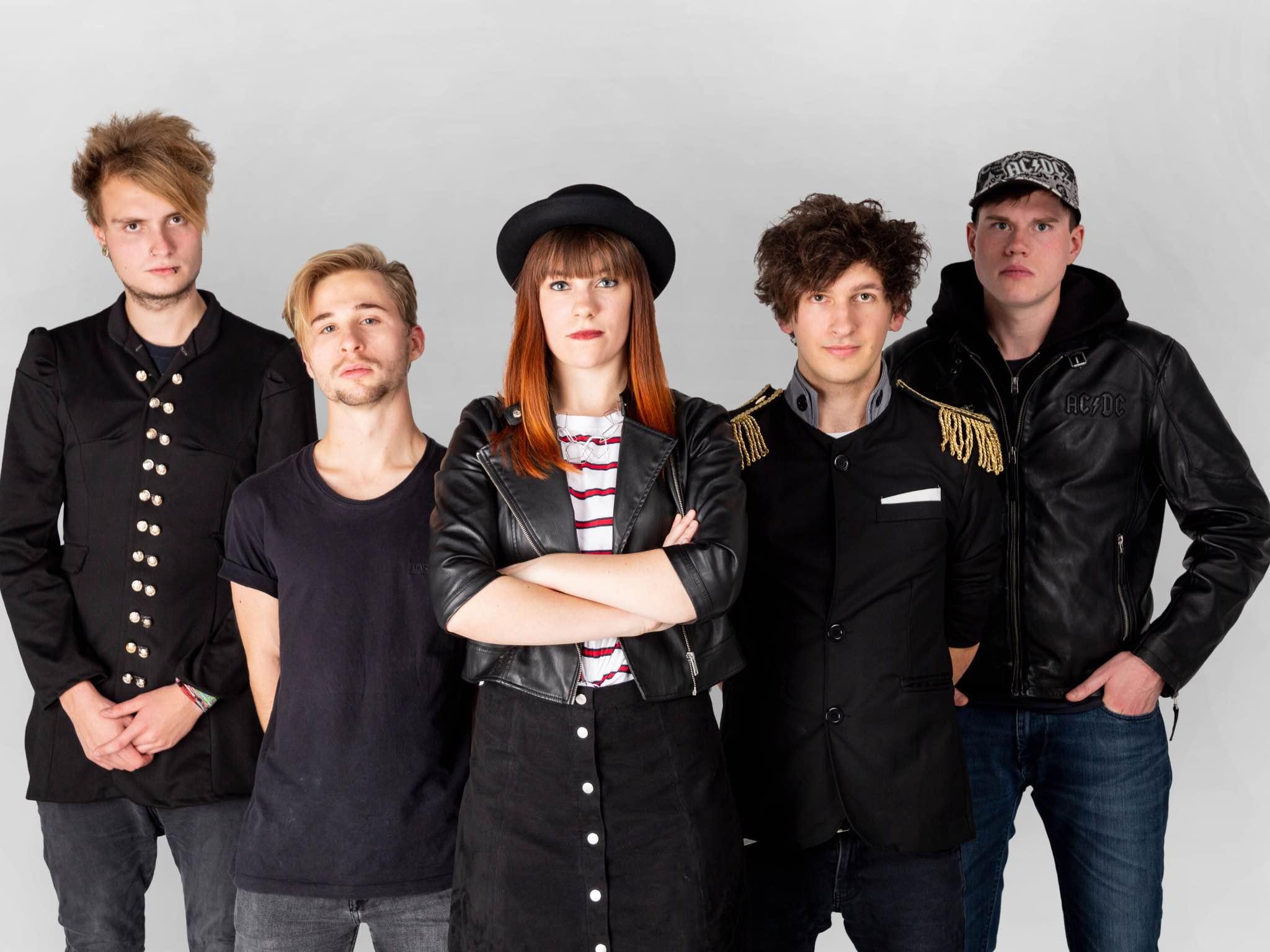 Was als klischeehaftes Musikschulprojekt begonnen hat entwickelte sich schnell zu einer eigenständigen und auftrittsreifen Band. Foto: Stop Inside.