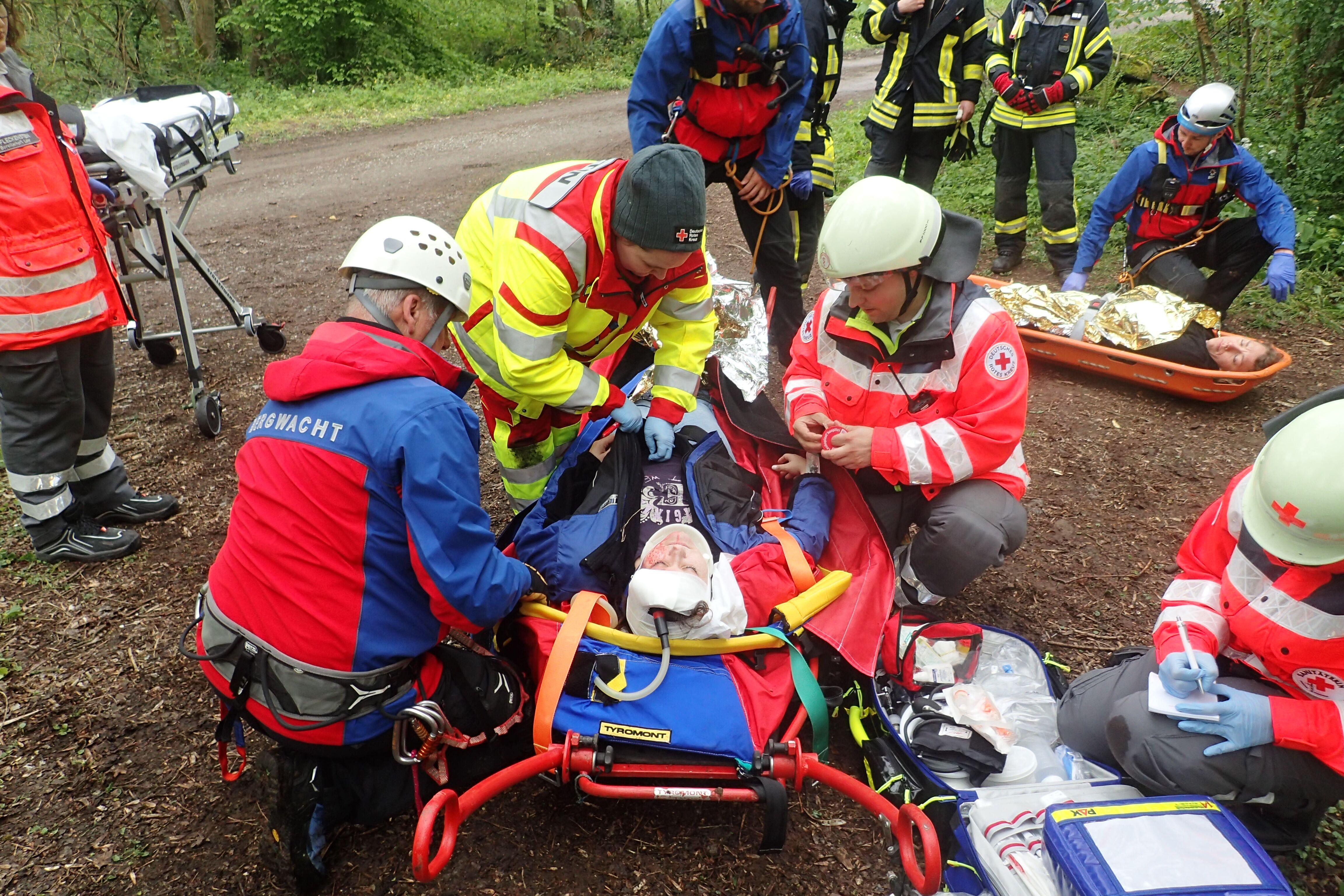 Die Markt Triefensteiner Feuerwehren Homburg und Trennfeld sowie die Bergwacht Frammersbach retteten die betroffenen Personen. Foto: BRK