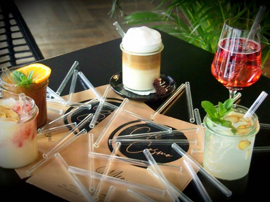 Das Café Cosmo setzt auf Glasstrohhalme, doch wie kam es zu der Entscheidung? Foto: Café Cosmo