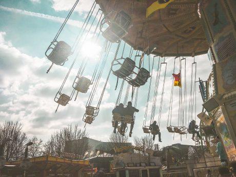 Kettenkarussell auf dem Frühjahrsvolksfest. Foto: Pascal Höfig