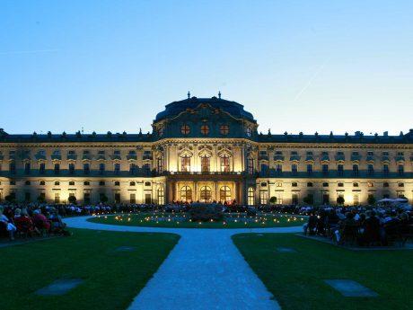Das Mozartfest im Residenzgarten. Foto: Christian Schwab