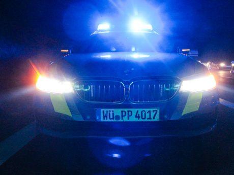 Ein Streifenwagen der Polizei auf der A3. Foto: Pascal Höfig