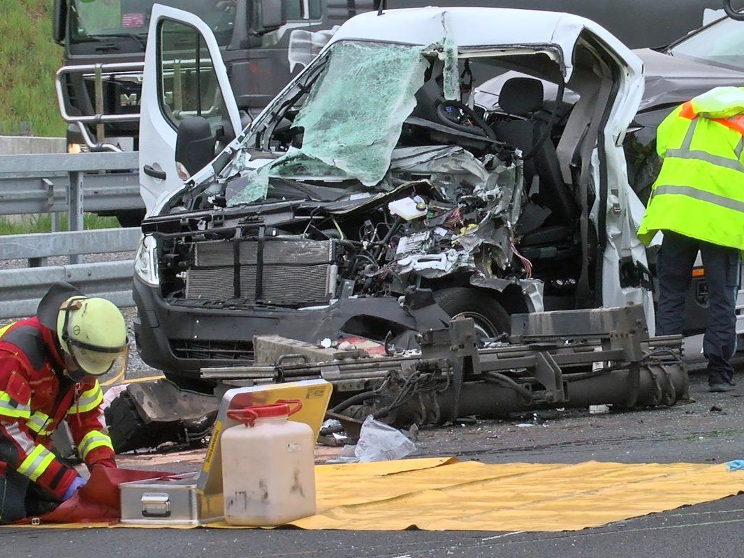 Der 31-Jährige wurde bei dem Verkehrsunfall so schwer verletzt, dass er noch an Ort und Stelle verstarb. Foto: Pascal Höfig