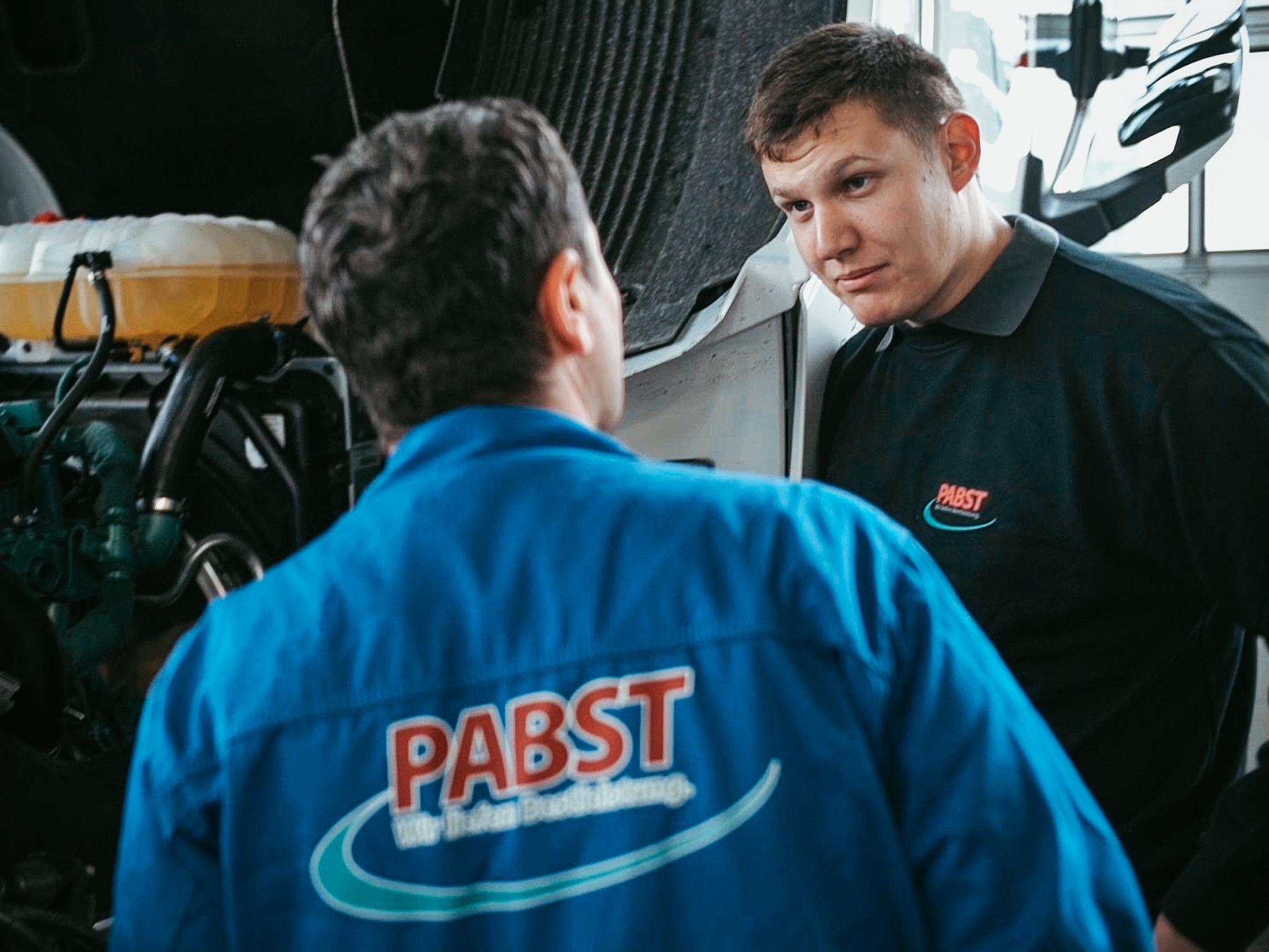 Teamarbeit ist Alltag! Foto: Pabst Transport