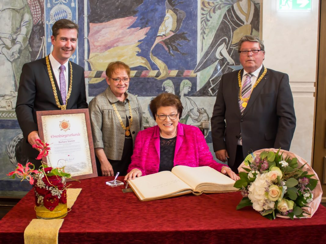Oberbürgermeister Christian Schuchardt, Bürgermeisterin Marion Schäfer-Blake, Bürgermeister Dr. Adolf Bauer (v.li.). Foto: Claudia Lother