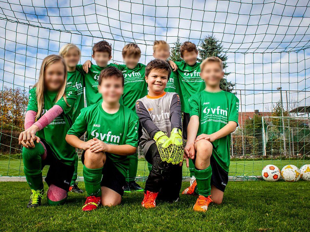 Johannes liebt Fußball und begeisterter Torwart. Foto: Privat