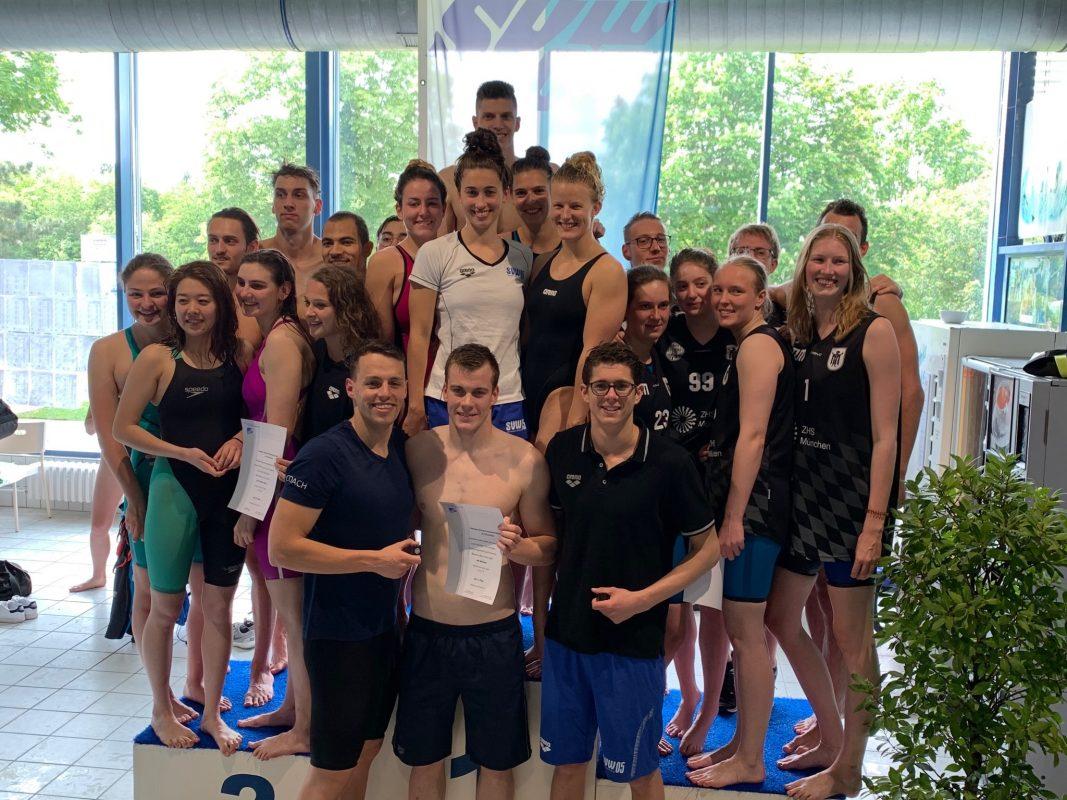 Würzburger Schwimmer holen sich bei Deutschen Hochschulmeisterschaft den Titel. Foto: SVW 05