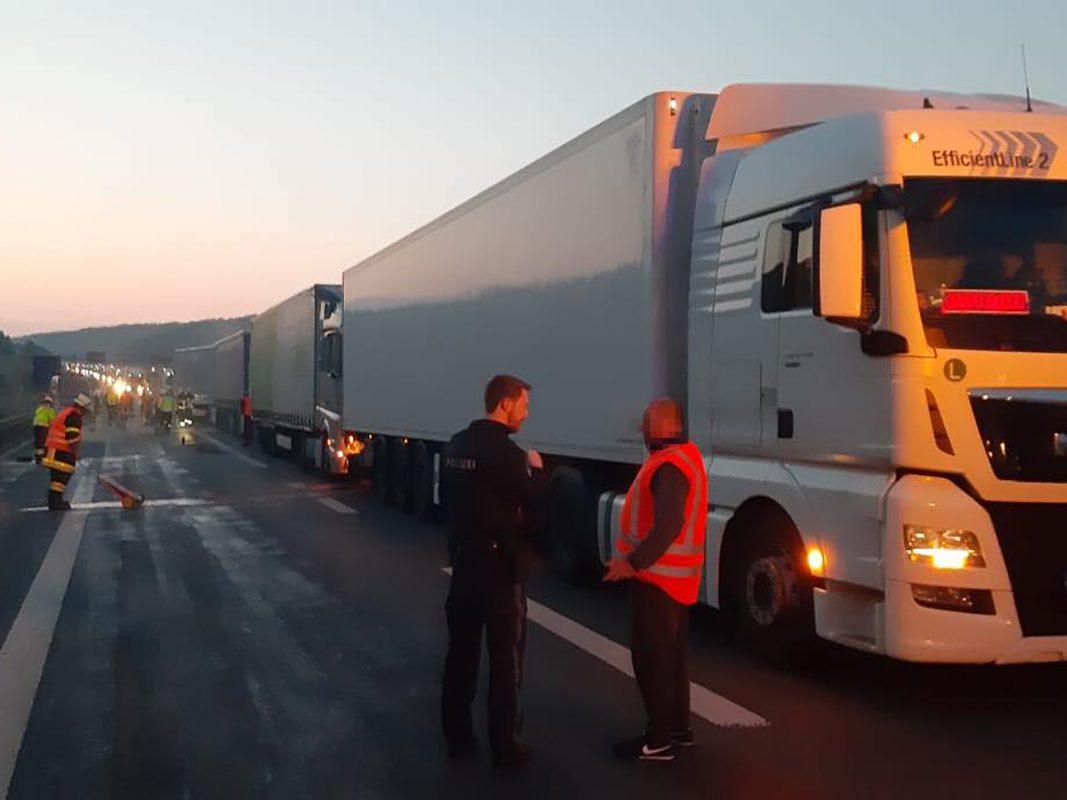 Zwei Schwerverletzte Nach Lkw Unfall Auf Der A3 Wurzburg Erleben