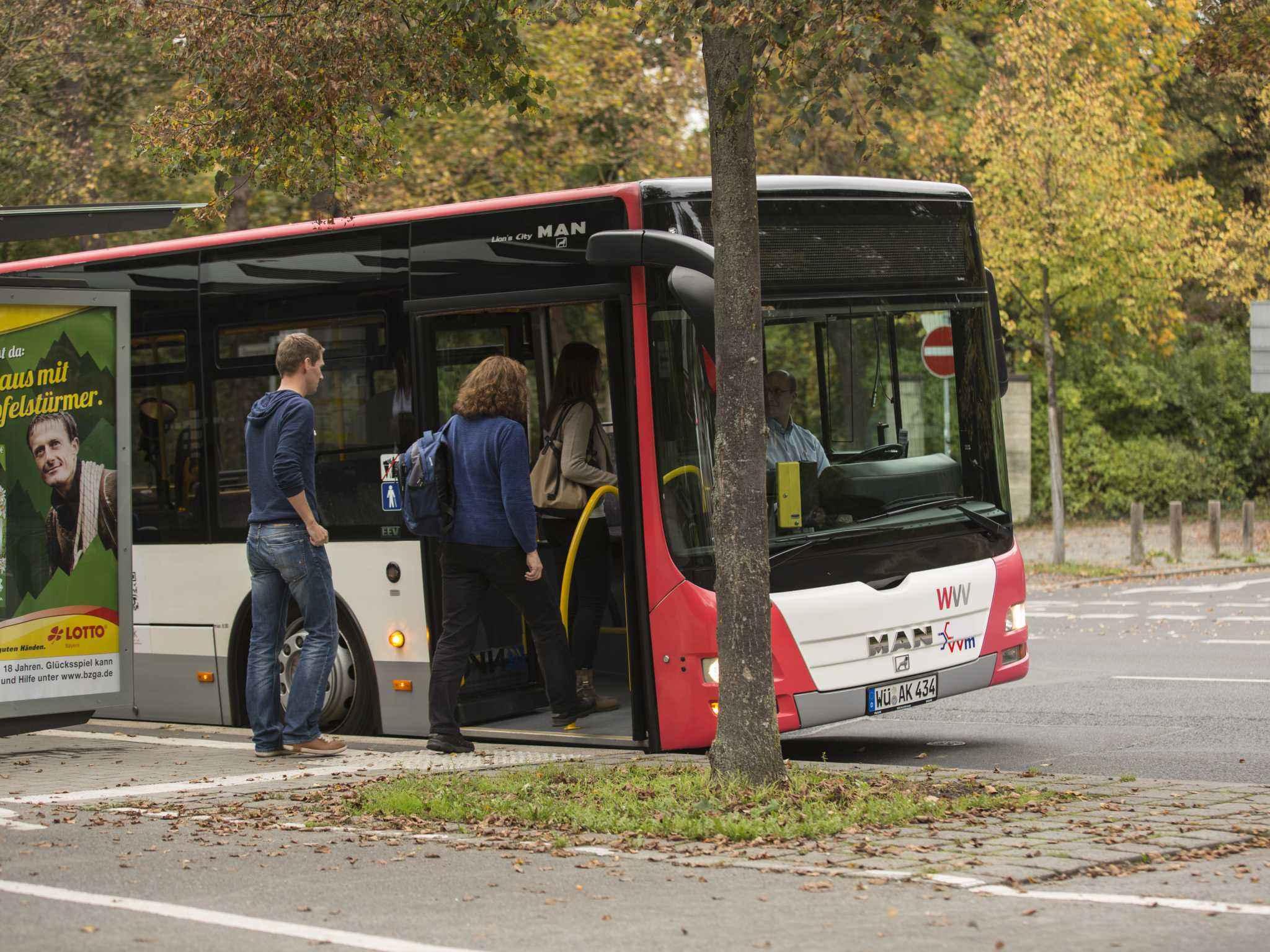 Schnell von A nach B mit den öffentlichen Verkehrsmitteln. Foto: VVM