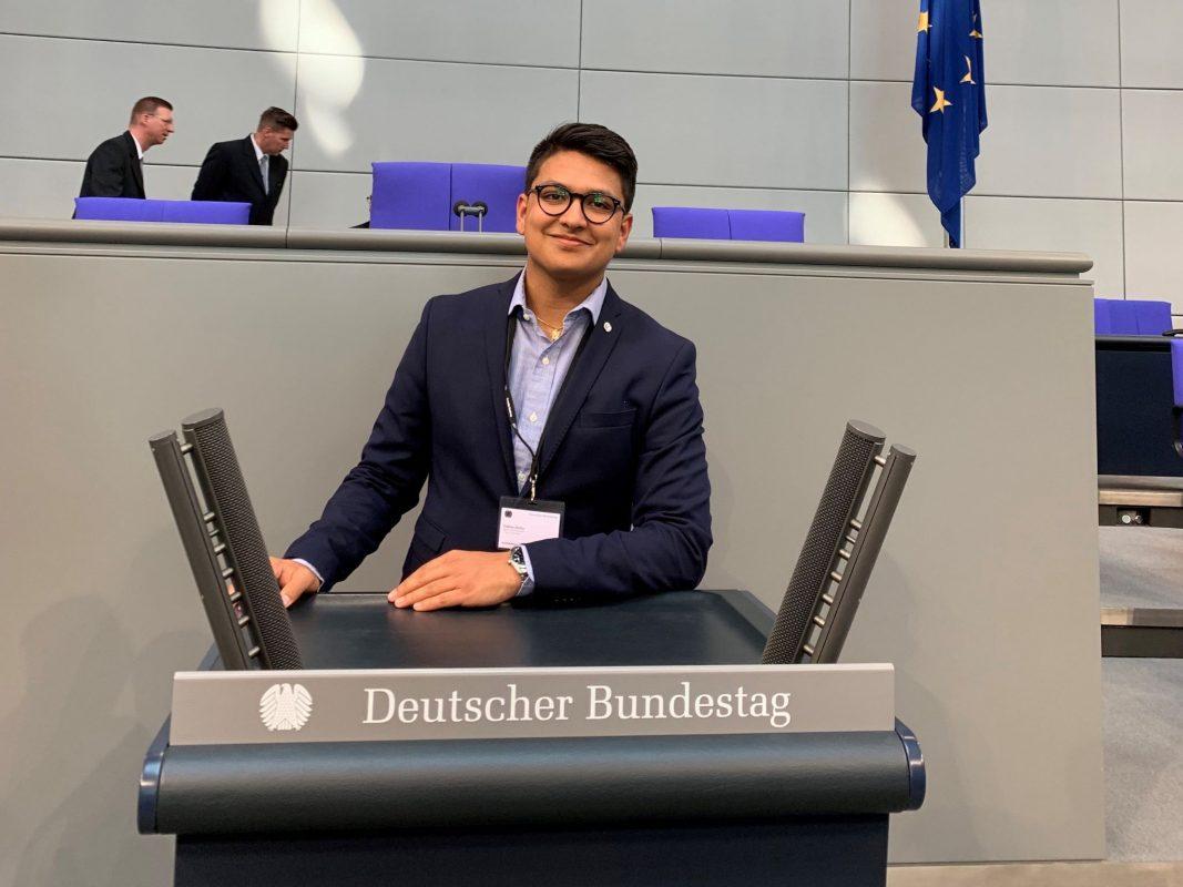 """Der Würzburger Tobias Dutta hat beim diesjährigen Planspiel """"Jugend und Parlament"""" teilgenommen; Foto: Tobias Dutta."""