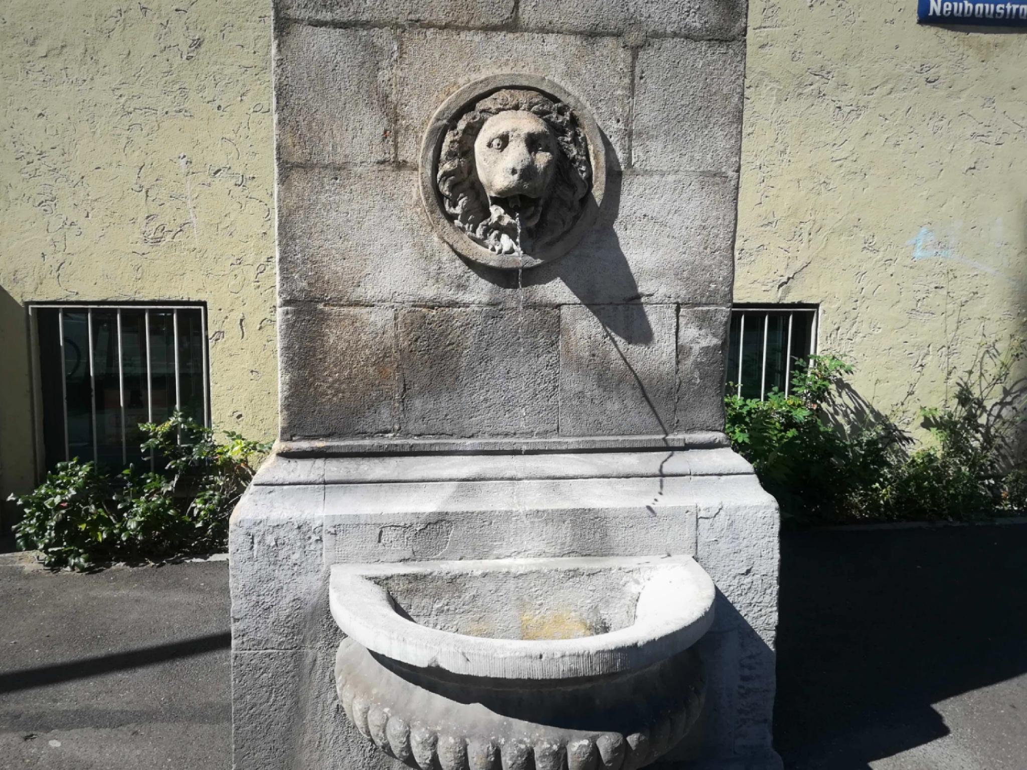 An Brunnen wie diesem in der Neubaustraße kann man sich erfrischen! Foto: Jessica Hänse