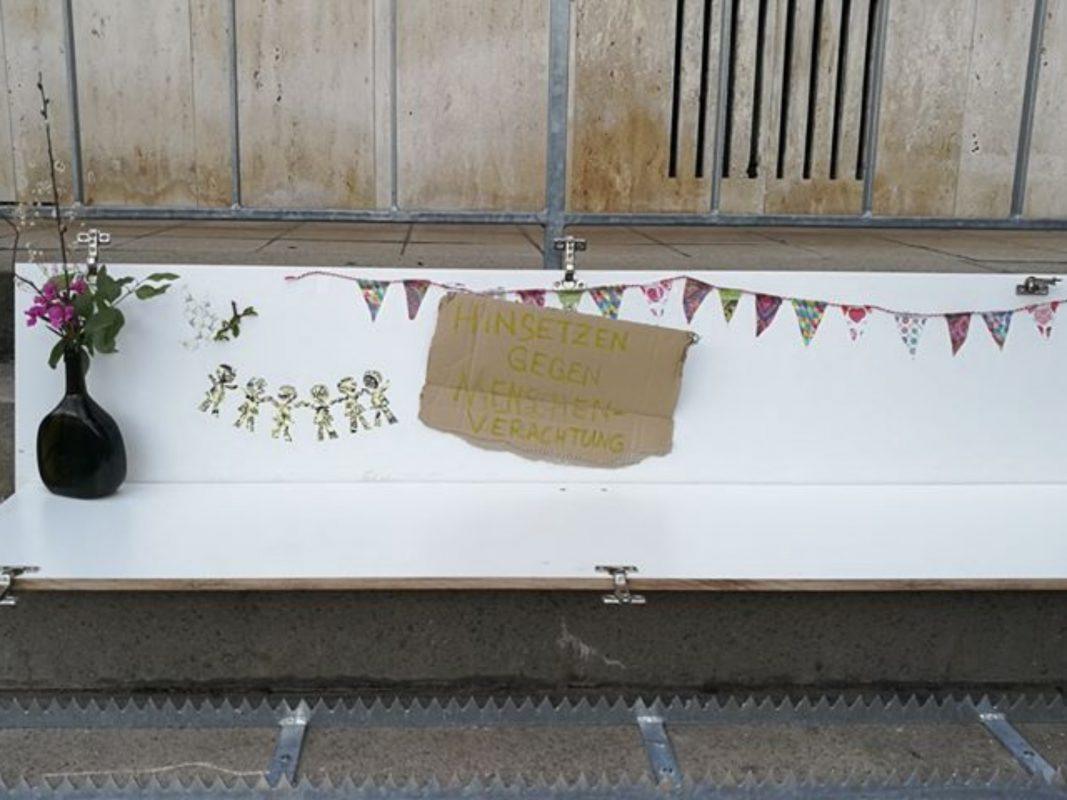 Stiller Protest auf der Treppe in Grombühl. Foto: Anonym