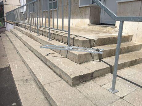 Die Metallstacheln auf der Treppe in Grombühl wurden entfernt. Foto: Pascal Höfig