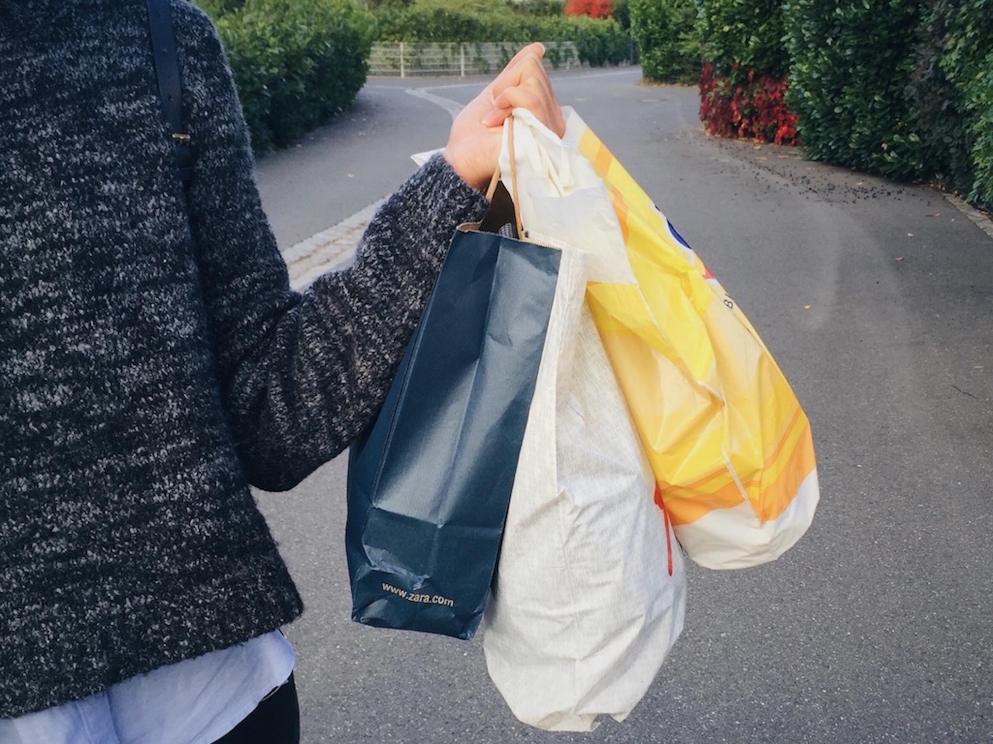 Shoppingtüten. Symbolfoto: Meliz Kaya