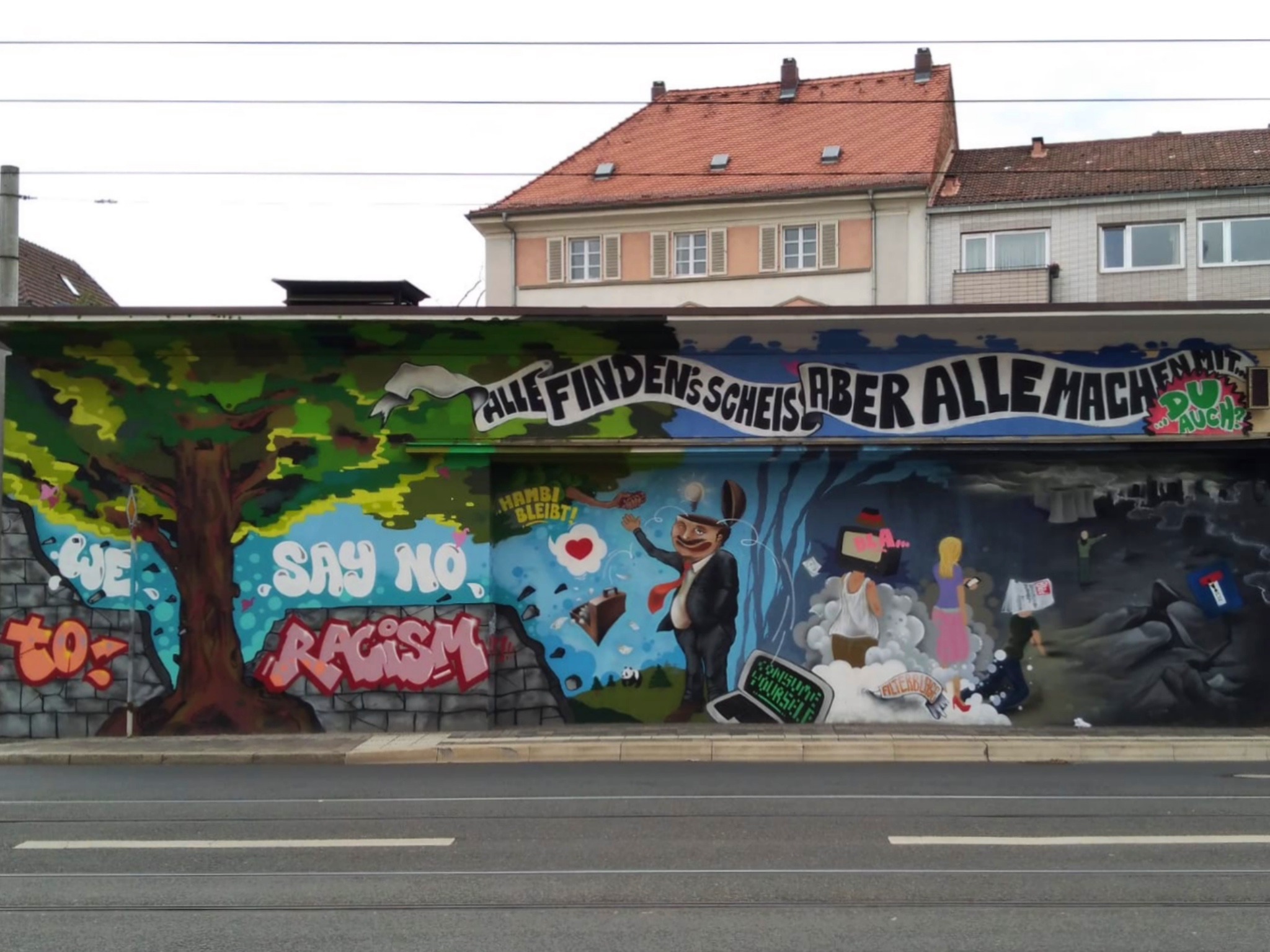 In der Frankfurter Straße in der Zellerau stößt man auf dieses schöne Werk. Foto: Sandro Weiß