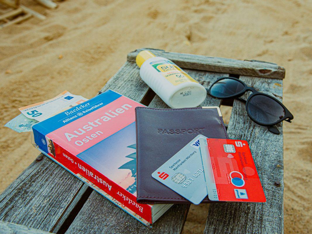 Was sollte man bei der Urlaubsvorbereitung beachten? Foto: Pascal Höfig PPPPPPPPP KUNDEN NICHT VERWENDEN Giro, Kredit, Sparkasse
