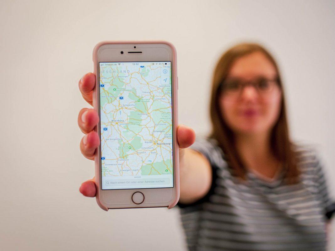 Apple's Kameraautos fahren durch ganz Deutschland um Apple's Kartenmap zu verbessern. Foto: Pascal Höfig.